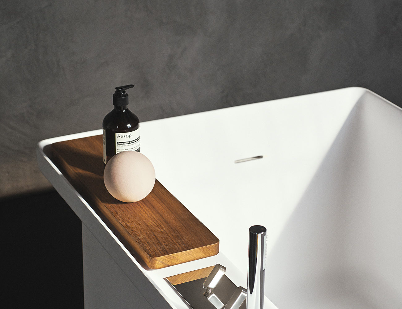 Nicos-International-products-bespoke-tub-Agape-12